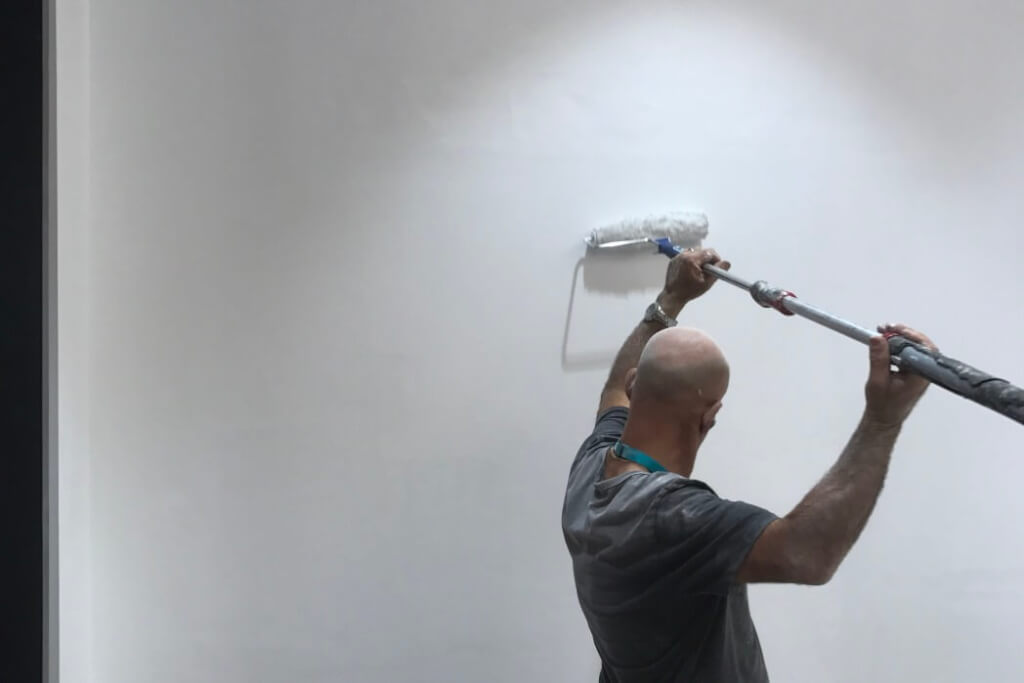 The Gold Coast handyman who loves painting and plastering